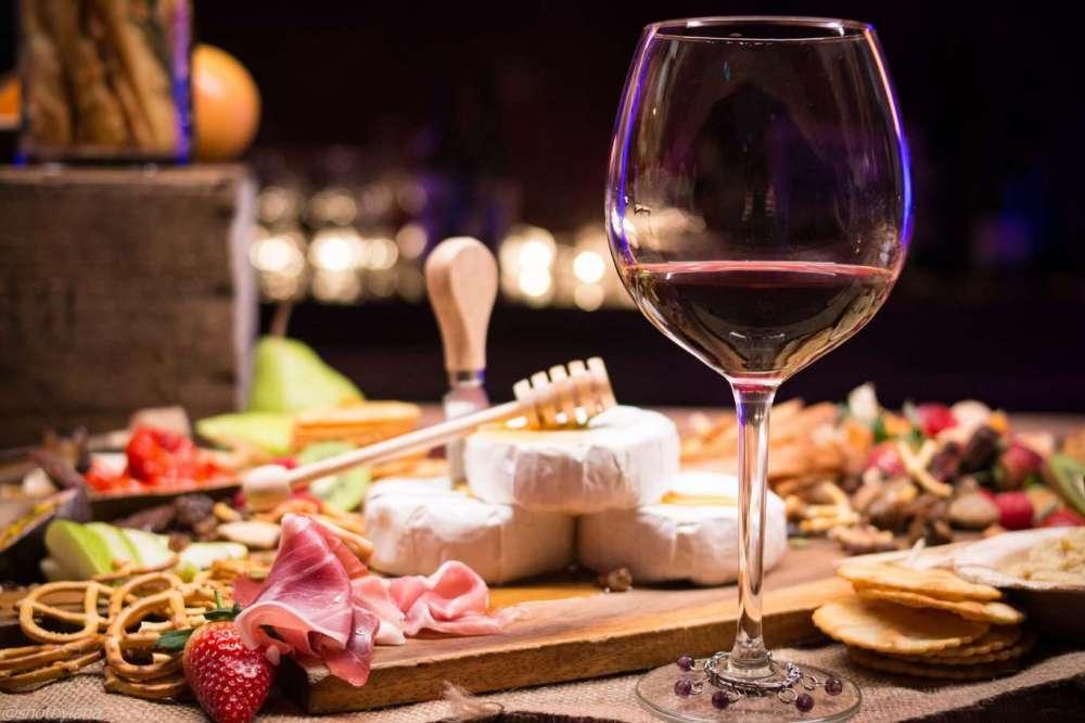 Hoe proef je kaas en wijn?